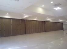 pintu lipat pilihan efektif untuk menyekat gedung sekolah